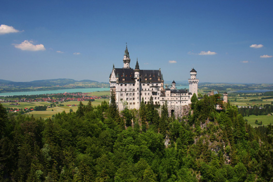 <h3>Schloss Neuschwanstein</h3>               Is just one of the several partly ancient attractions not far from Stuttgart. Sightseing at its Best. Living Quality at top Level.